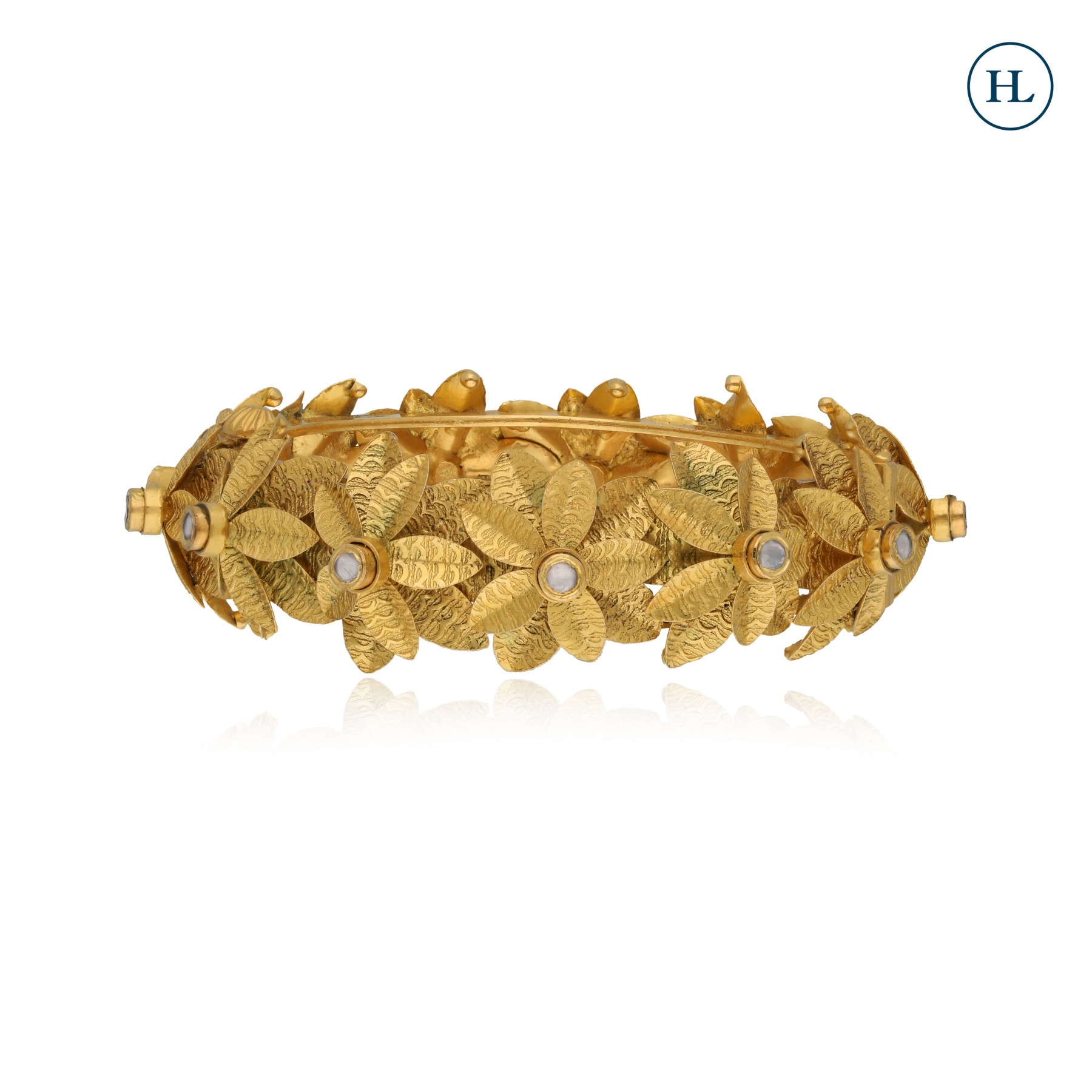Antique-styled Flower Gold Bangle