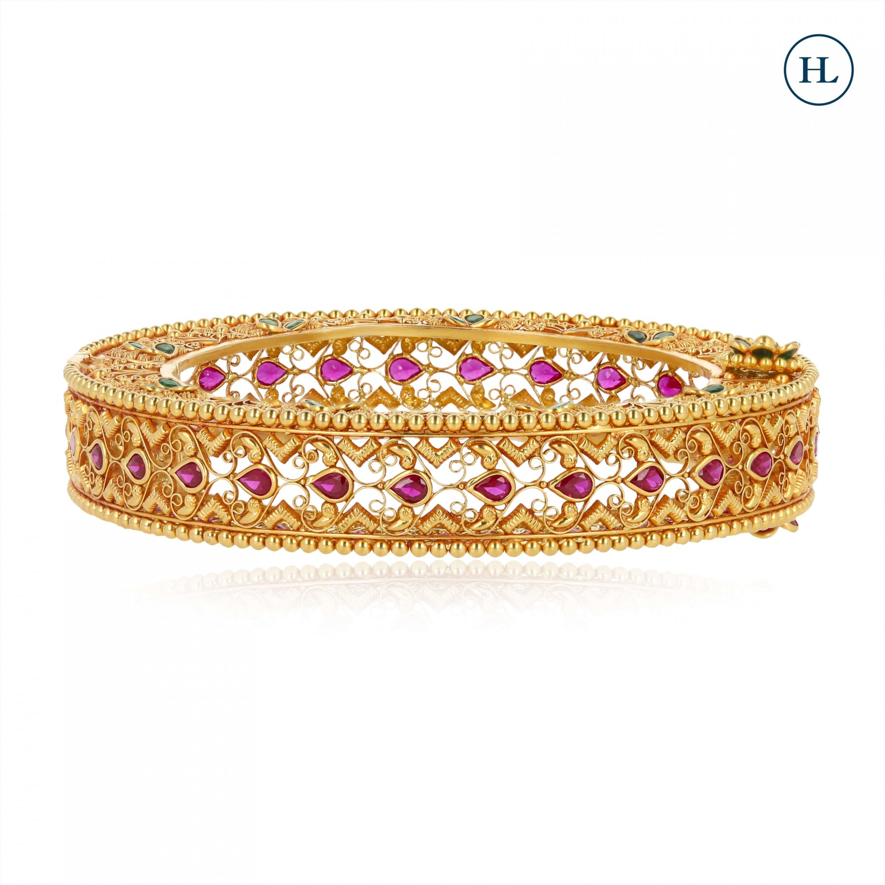 Flower Onyx Openable Gold Bangle