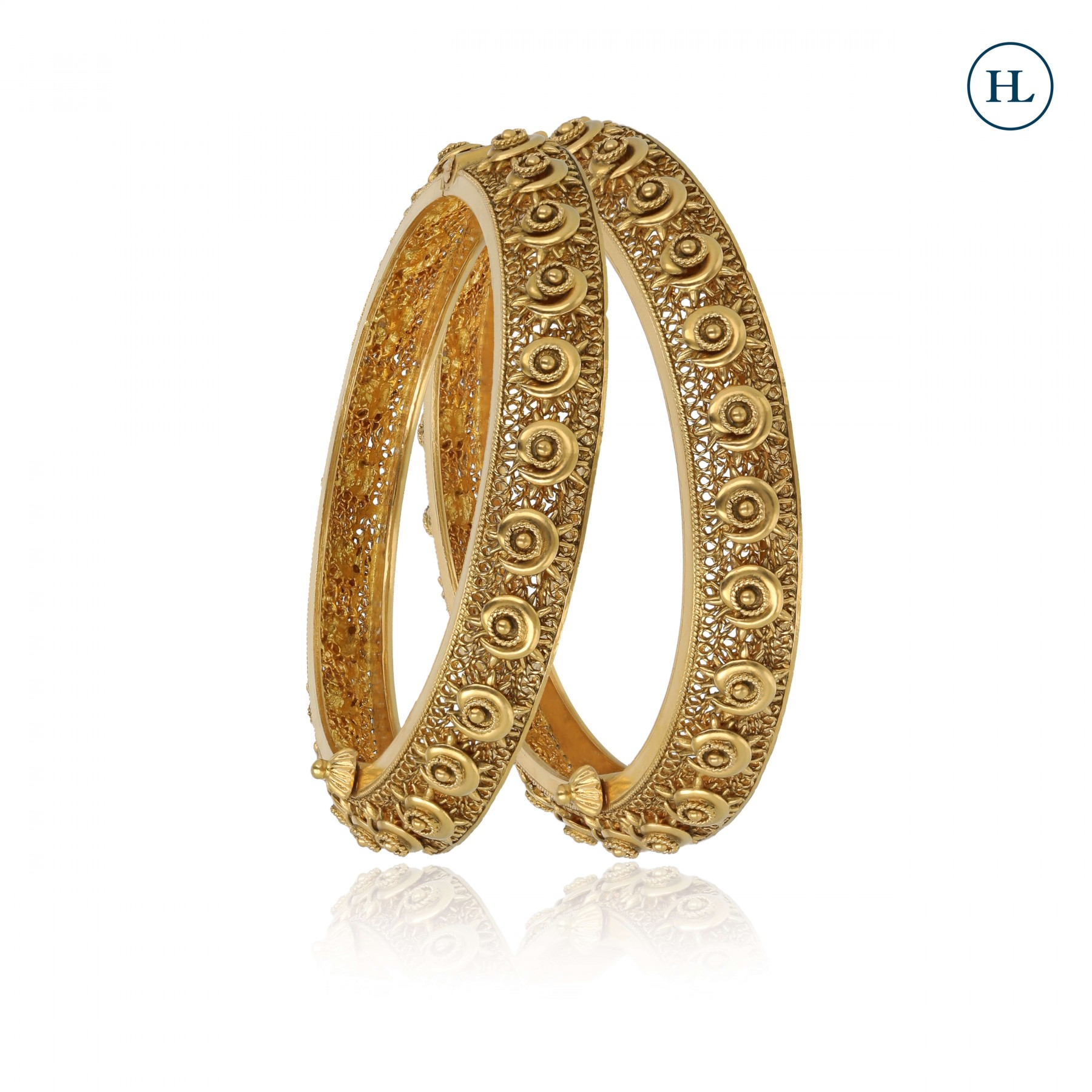 Antique-Styled Openable Gold Bangle Pair