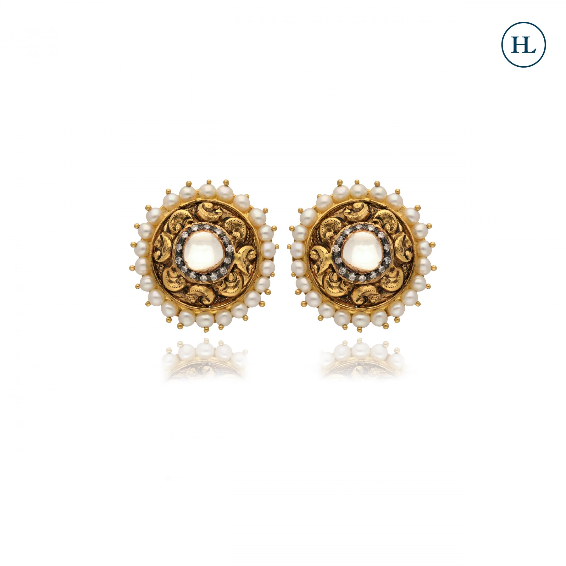 Gold Earrings with Vilandi & Pearls