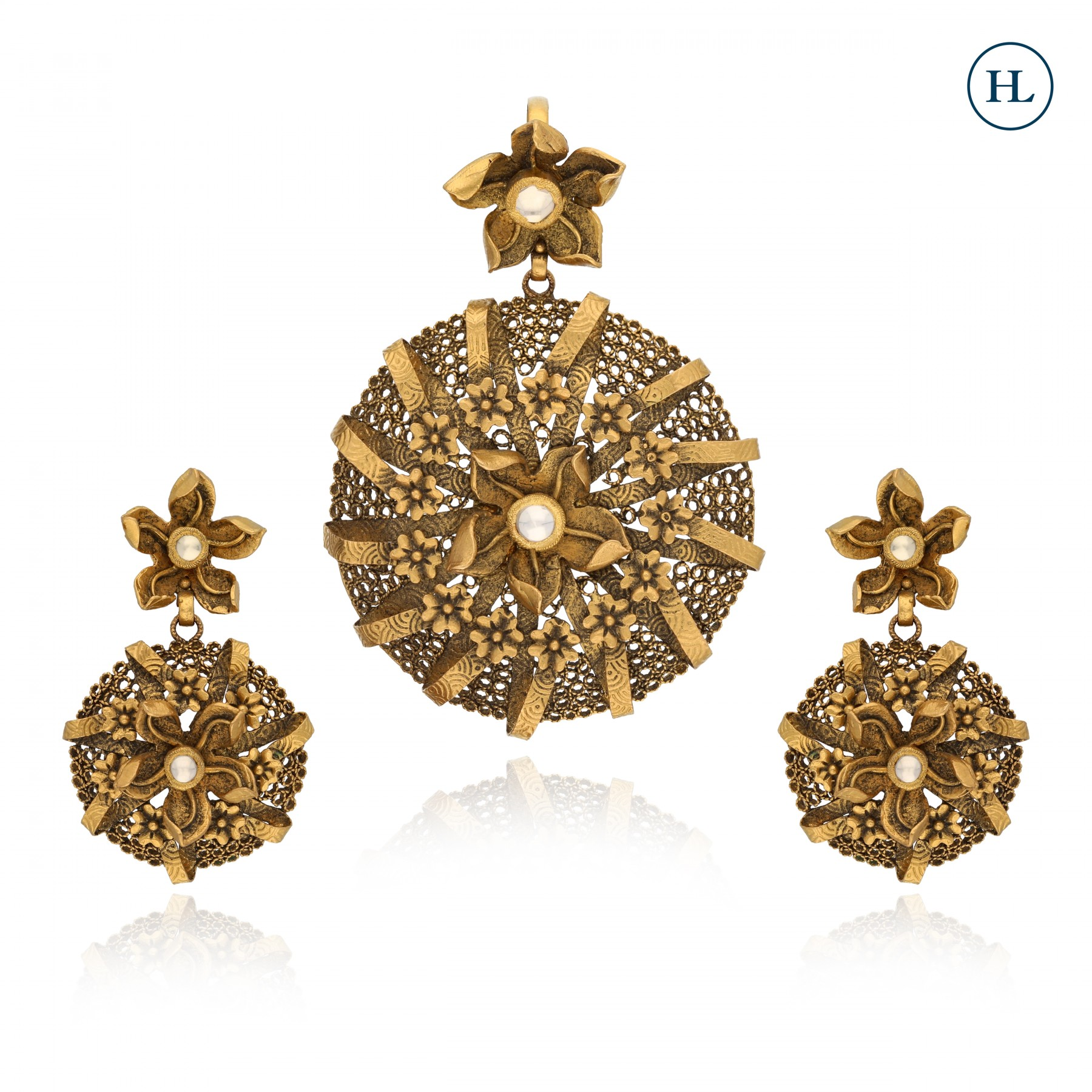 Antique-Styled Gold Flower Pendant Set
