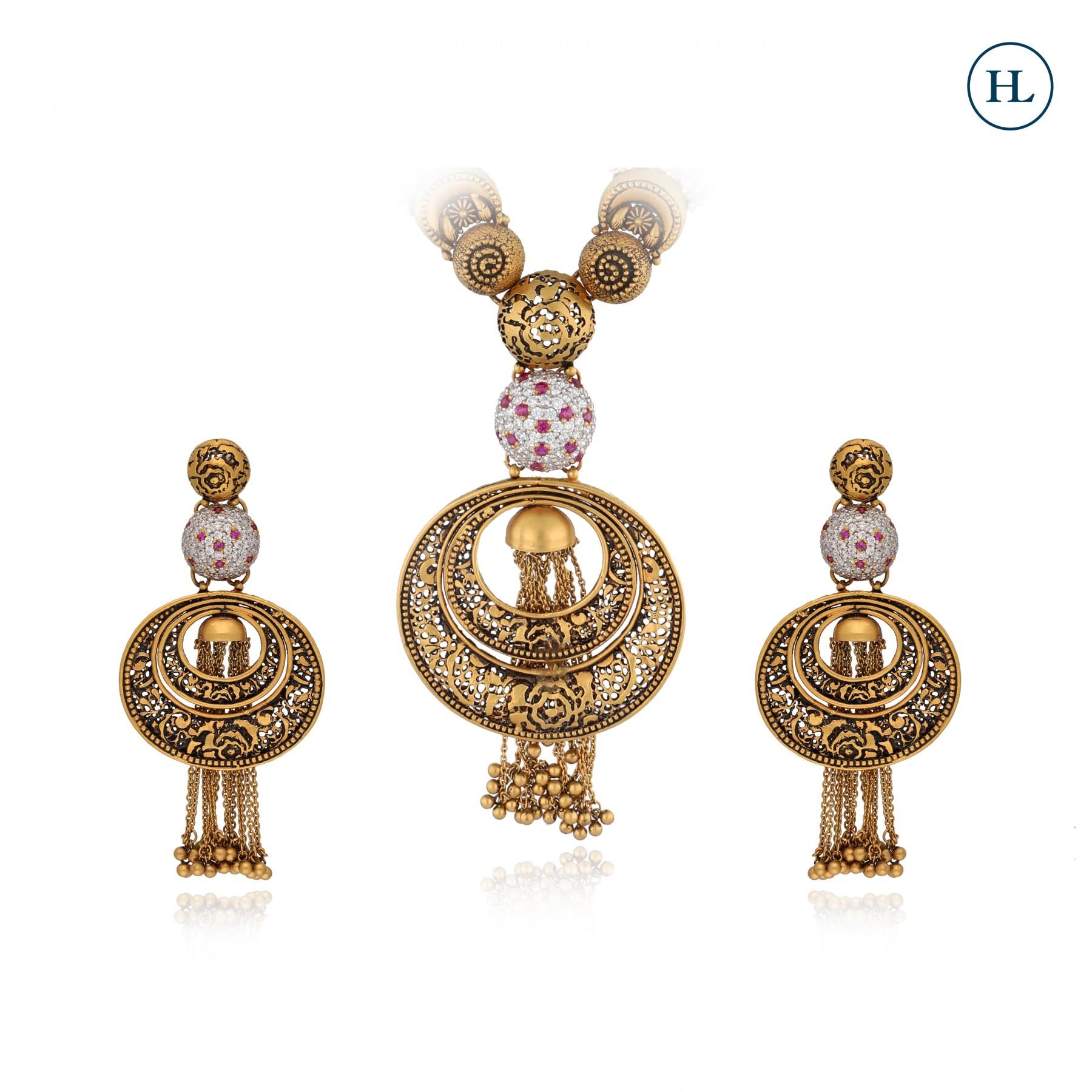Oxidised Gold Pendant Set