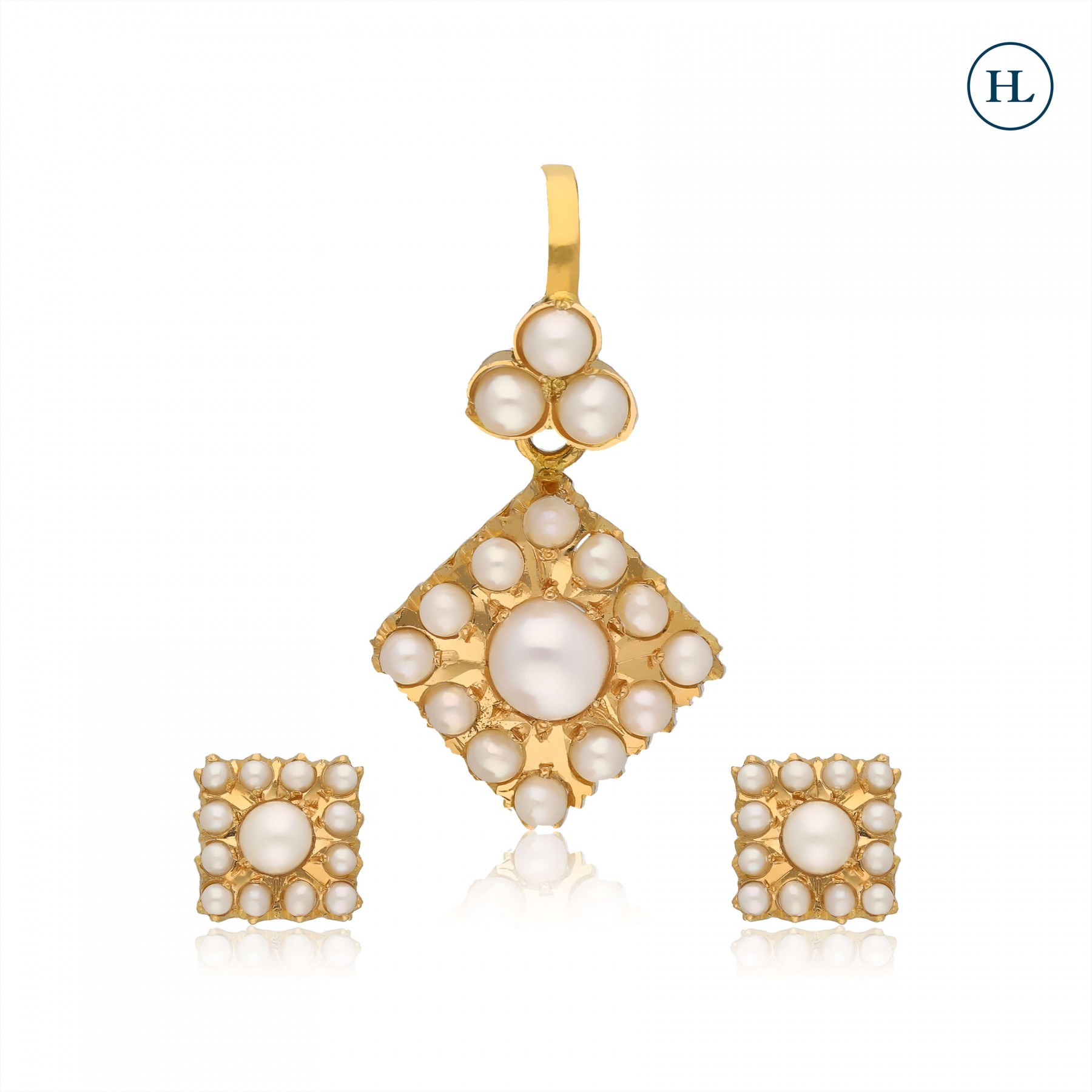 Pearl & Gold Pendant Set