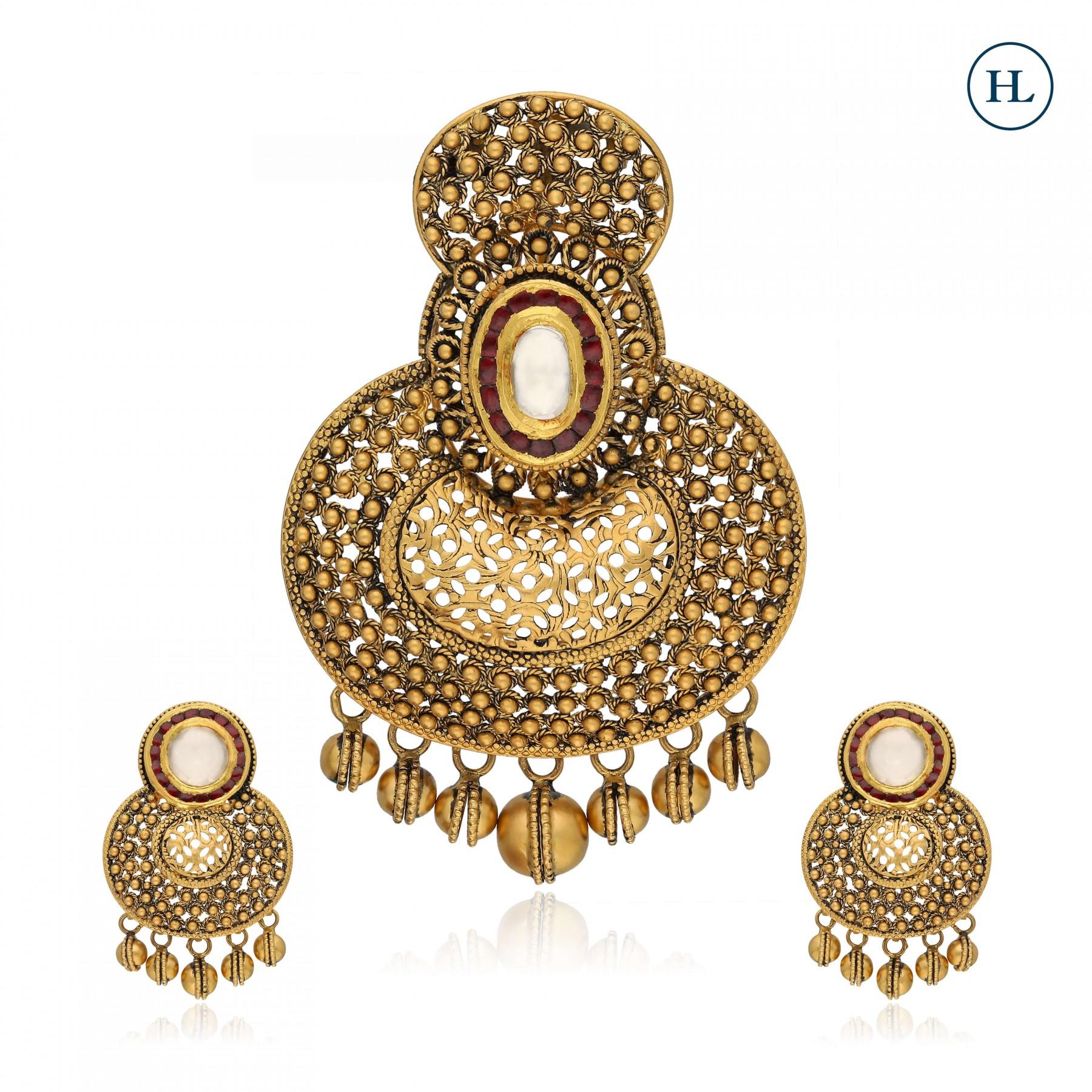 Antique-Styled Kundan & Gold Pendant Set