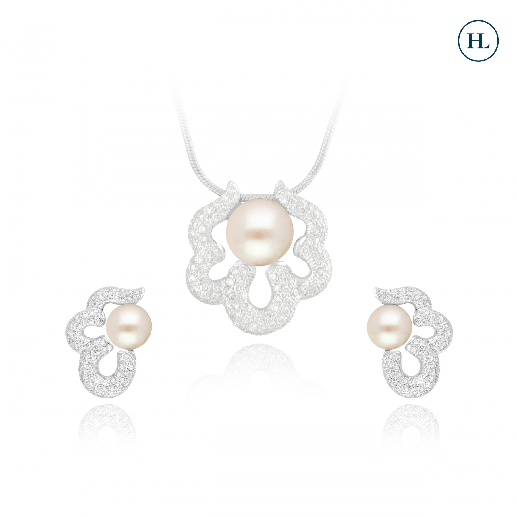 Diamond Pearl Pendant Set